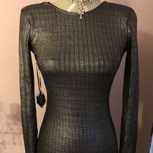 Bodycon low back metallic dress